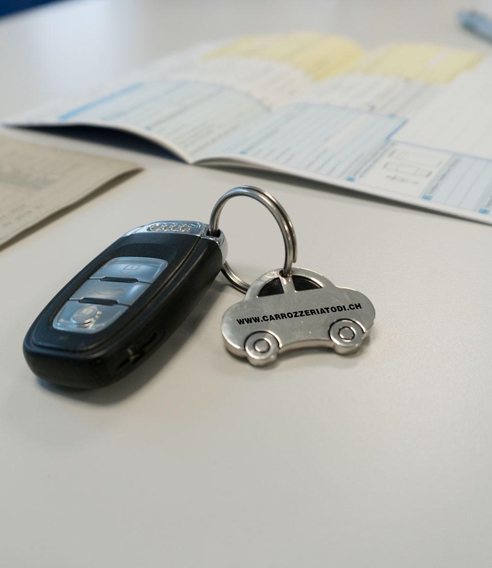 Carrozzeria Todi a Stabio servizio auto sostitutiva